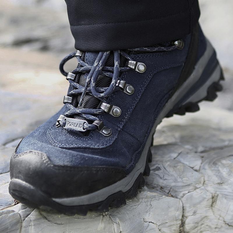 探路者登山鞋 户外男冬轻便耐磨运动鞋女透气高帮鞋91032J