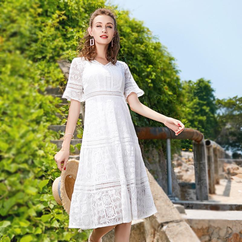 蕾丝连衣裙女夏季2019新款高腰中长款温柔裙白色淑女长裙镂空裙子