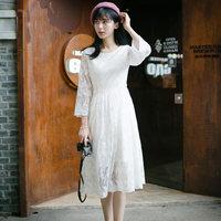 小镇姗姗 搁浅的时光 珍藏美好记忆的白色叶子刺绣气质连衣裙#