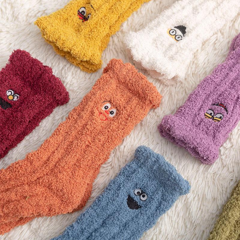 珊瑚绒地板袜子女中筒秋冬季抗寒加厚加绒睡觉穿的长筒保暖毛巾袜