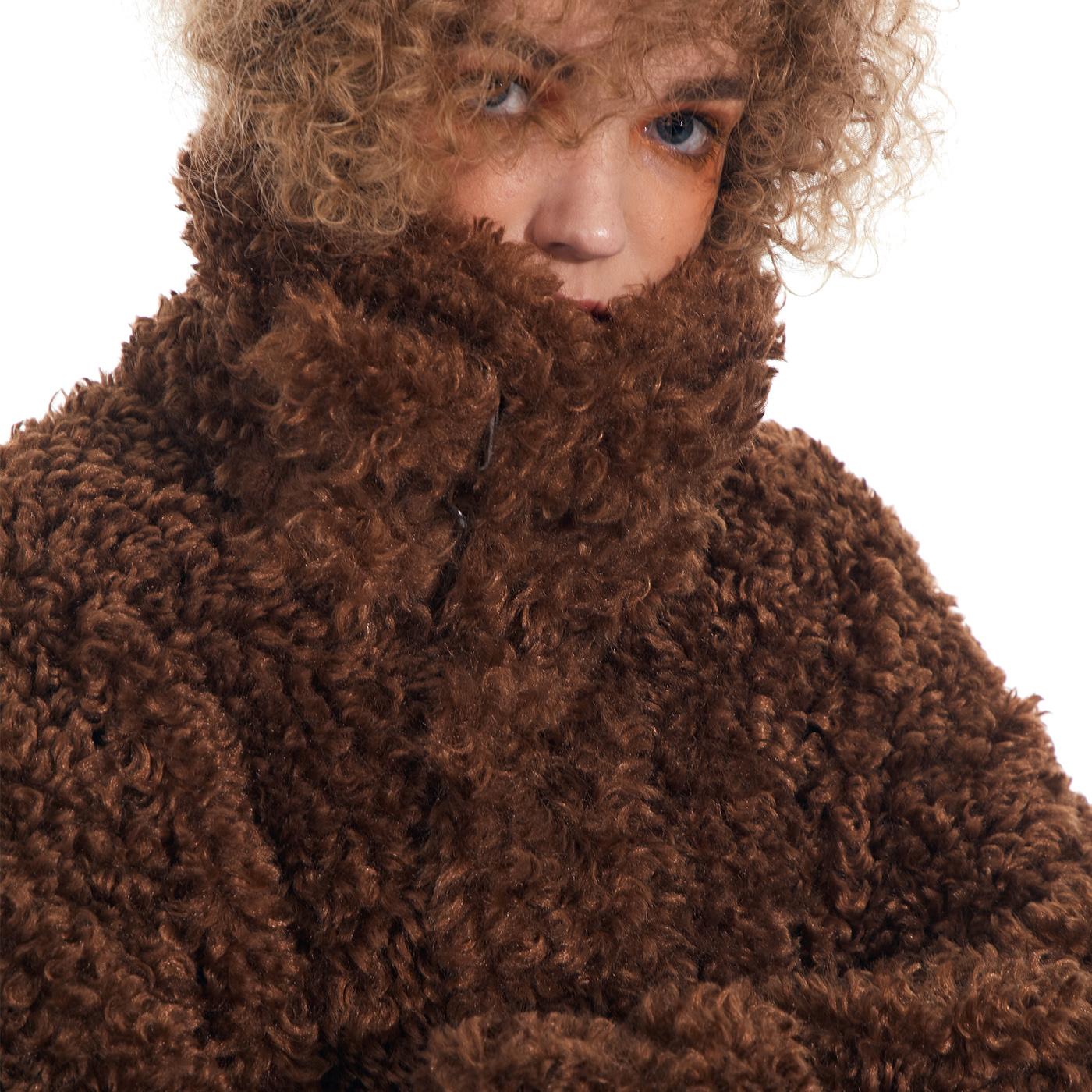 a GRAPE KISS 棕色羊羔毛外套女秋冬2020年新款宽松加厚短款上衣