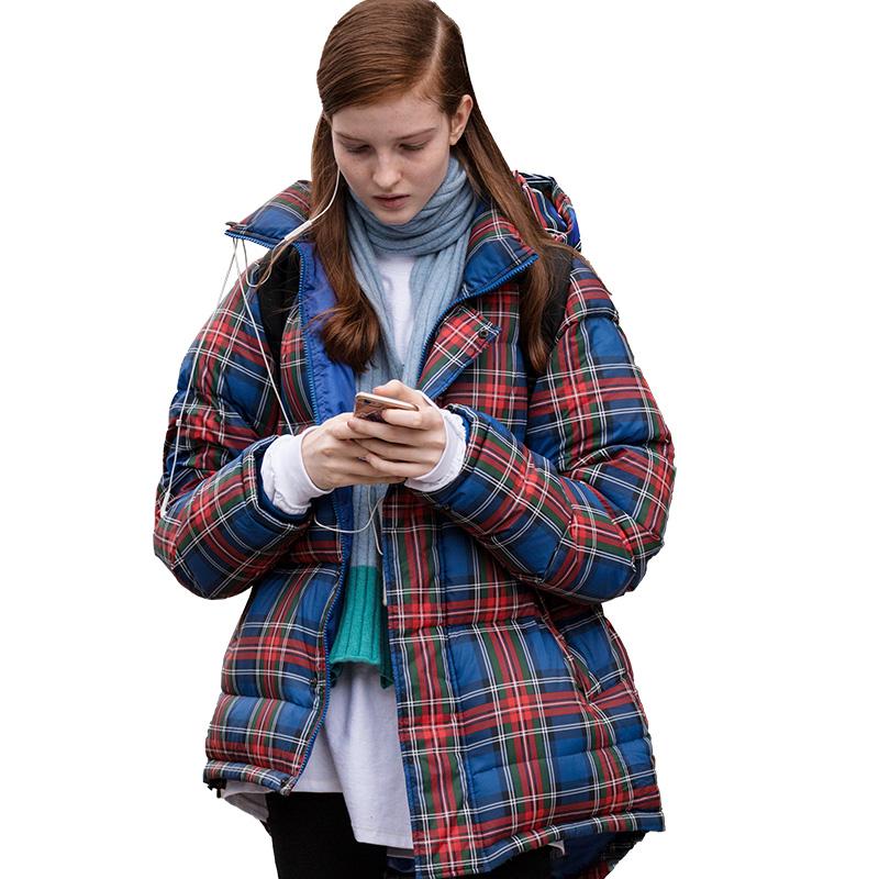 2020秋冬新款女装时尚印花白鸭绒羽绒服女短款宽松显瘦面包服外套