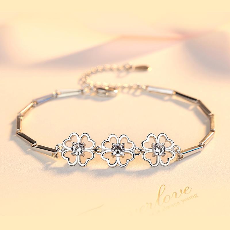 伊洛传芳 惹火925银手链女镂空心形手镯韩版时尚银饰情人生日礼物