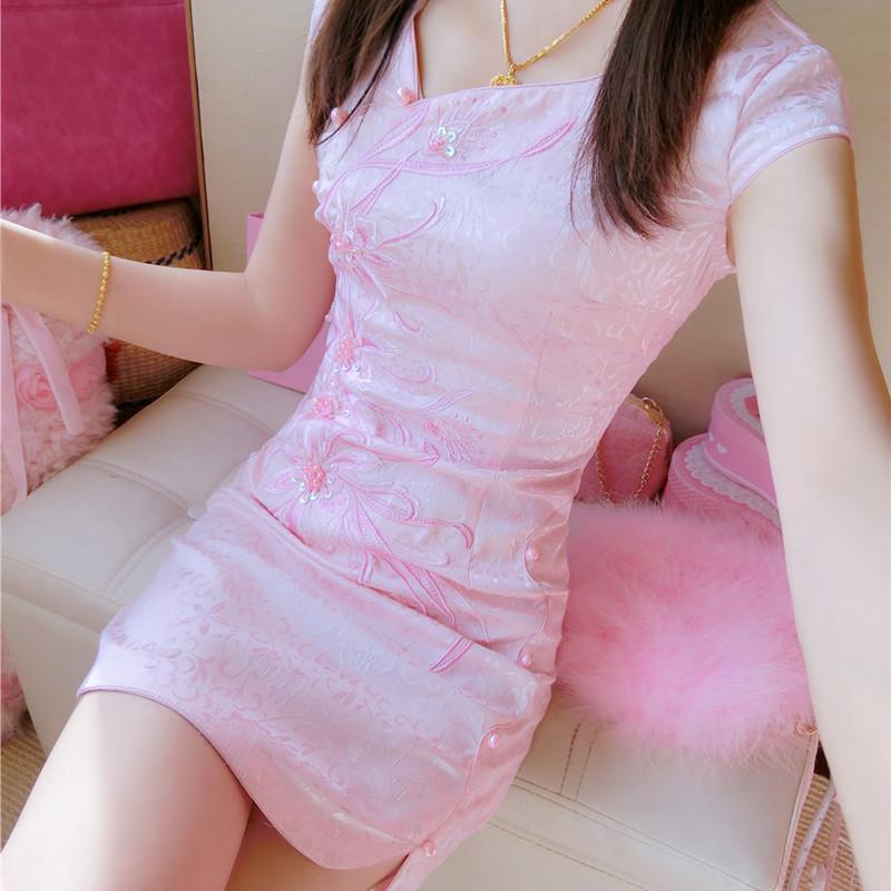气质斜V领刺绣钉珠改良少女旗袍甜美提花粉色连衣裙修身性感短裙