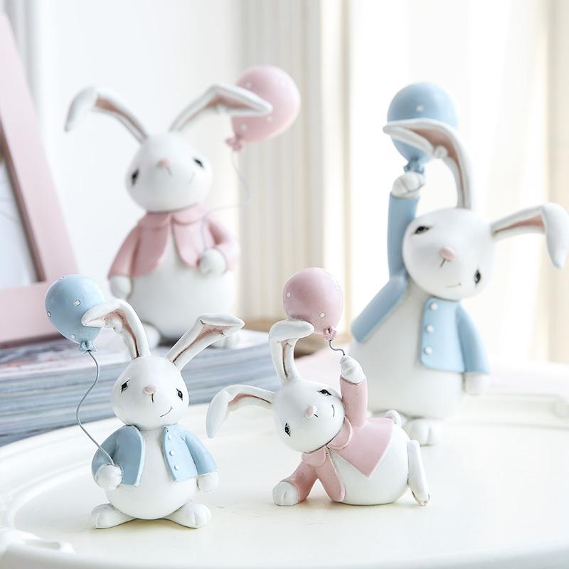 卡通车载汽车装饰品创意摆件生日可爱少女心树脂兔子日系桌面摆设