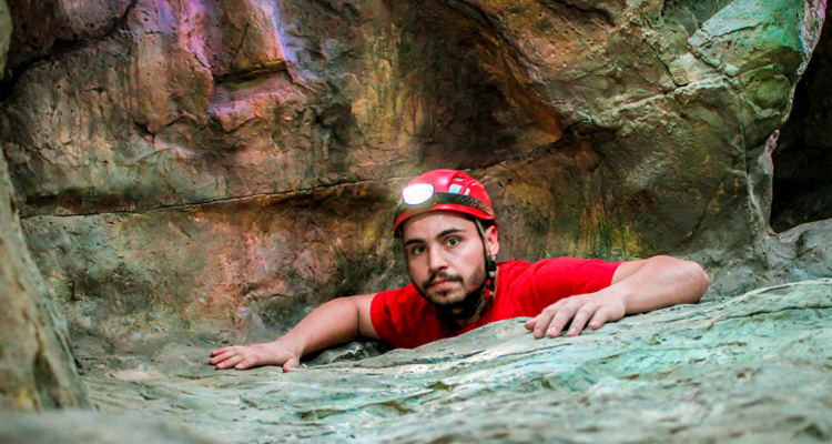 798探洞中心