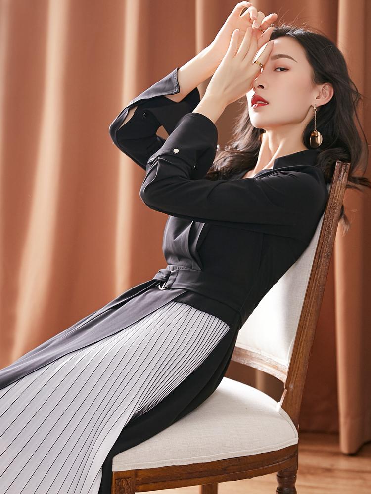 米肯荷叶袖v领黑色中长款连衣裙女装2018秋季新款修身百褶a字裙子