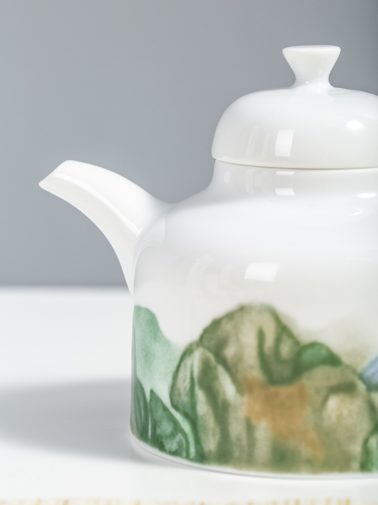 Jingdezhen flagship store Godwin zhang checking ceramic art derivatives kung fu tea set teapot cup