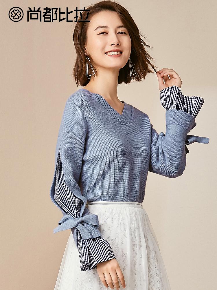 尚都比拉2018新款秋装显瘦V领复古格子拼接喇叭袖蝴蝶结毛针织衫