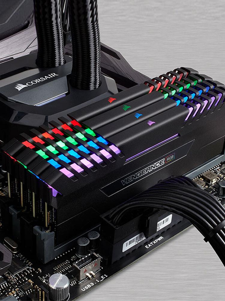 美商海盗船内存条RGBDDR4 8Gx2 16G 2400 3000台式机电脑超频灯条