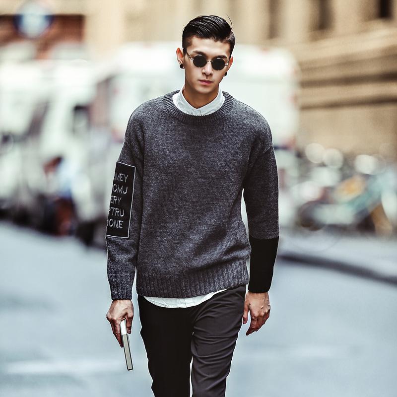 侑模原创2015秋冬新品风街拍简约贴布绣男士针织衫灰色毛衣外套潮