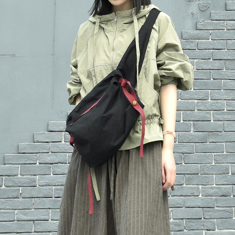 2021ins胸包女时尚胸前包设计感腰包