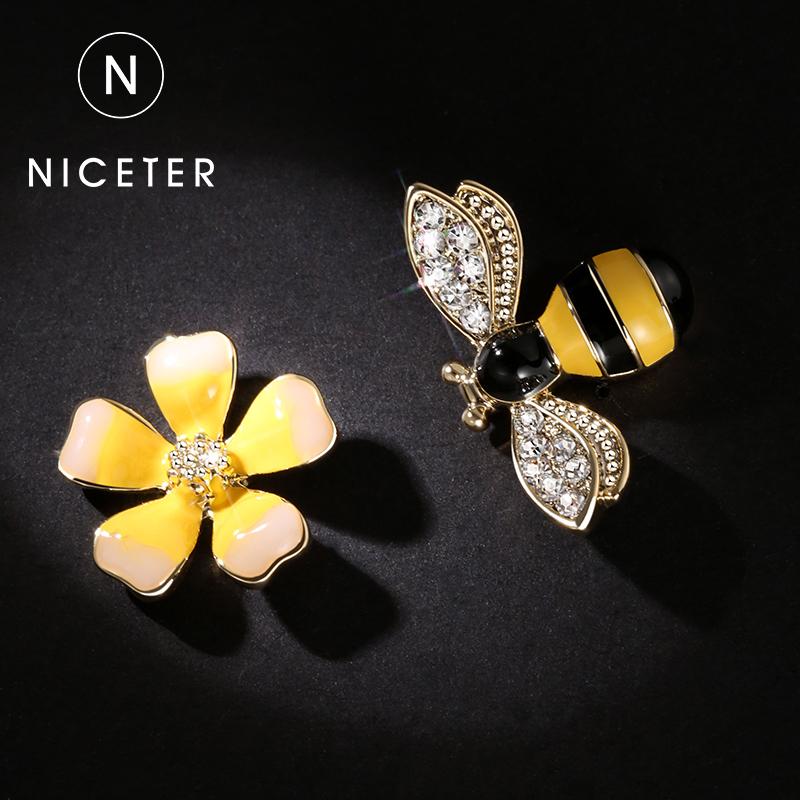 925银针小蜜蜂耳钉女韩国气质个性耳饰耳坠不对称不规则花朵耳环