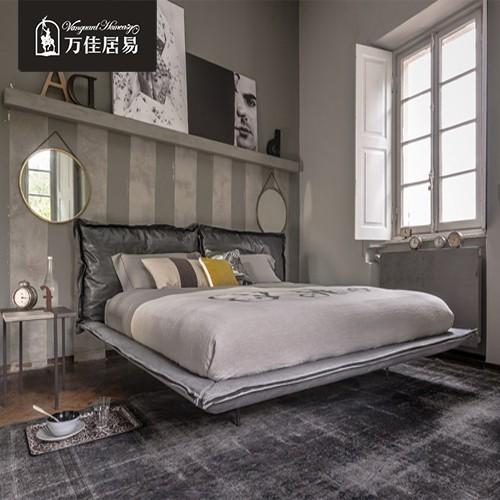 北欧真皮床头层牛皮1.5米双人床设计师主卧1.8米简约现代皮床婚床