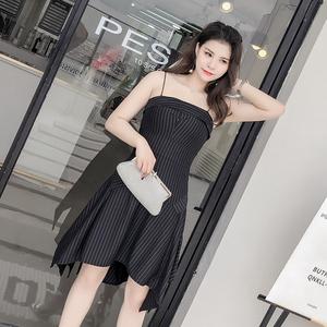 欧美街拍不规则中长款无袖露肩吊带连衣裙夏黑色竖条纹裙6199...