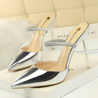 86-5 European and American wind fashion sexy show thin metal with high heel with shallow mouth pointed and women slipper