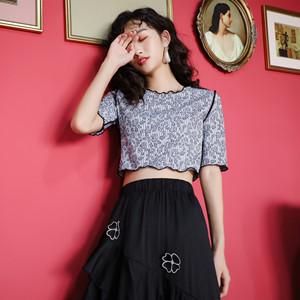 原创设计短袖t恤女夏季打底条纹薄款修身显瘦短款上衣女