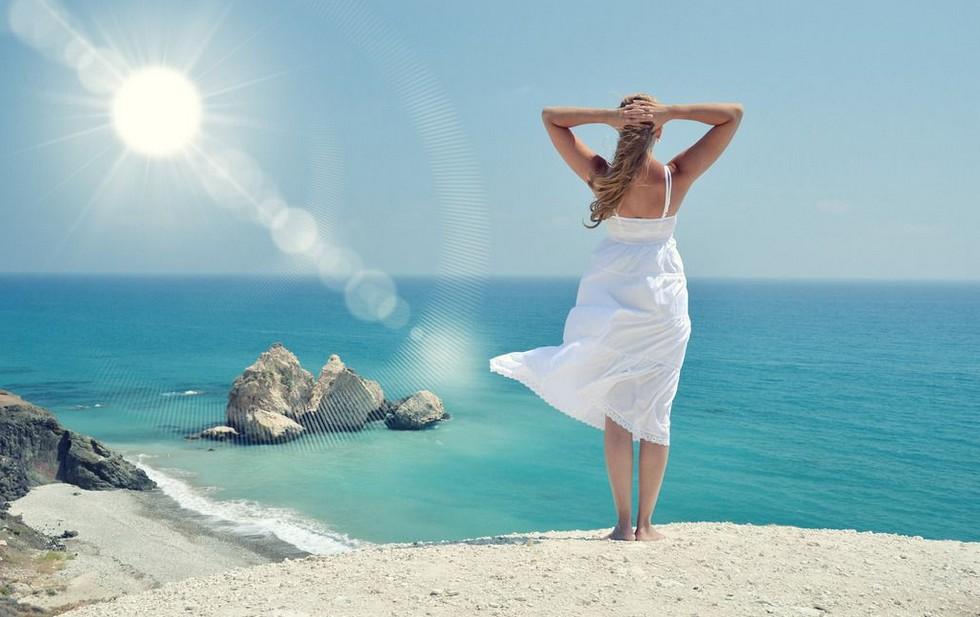汉服美出新境界,海边度假也可穿中国风