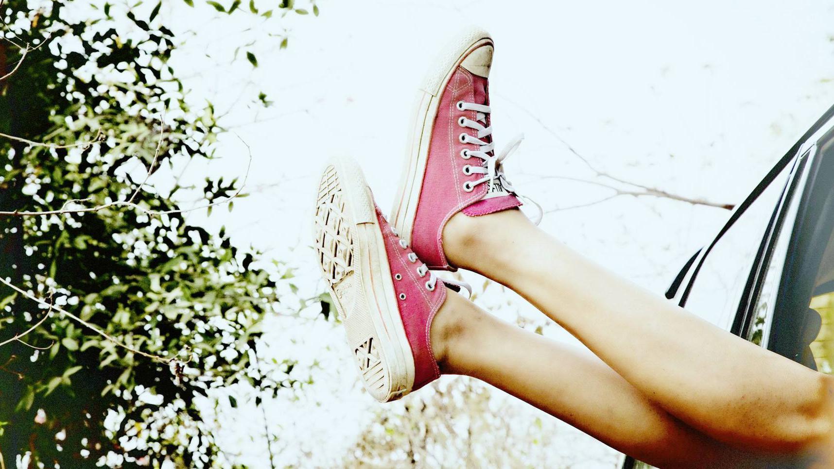 俘获人心的帆布鞋,尽显运动时尚