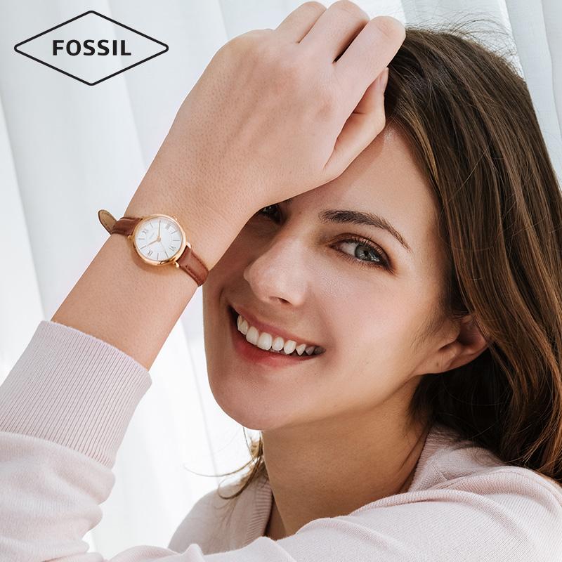 Fossil新款女表简约学院风舒适牛皮表带石英手表女ES4412