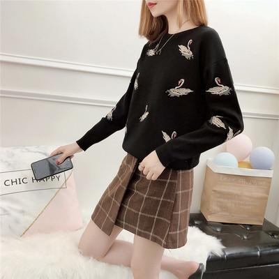 天鹅刺绣圆领套头针织衫女宽松显瘦长袖毛衣秋季新款潮