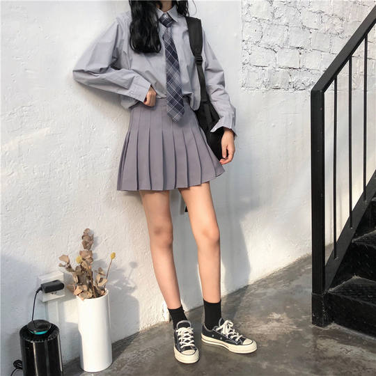 Retro Hong Kong style chic Korean version of the solid color long-sleeved shirt shirt + high waist pleated skirt to send a tie suit female