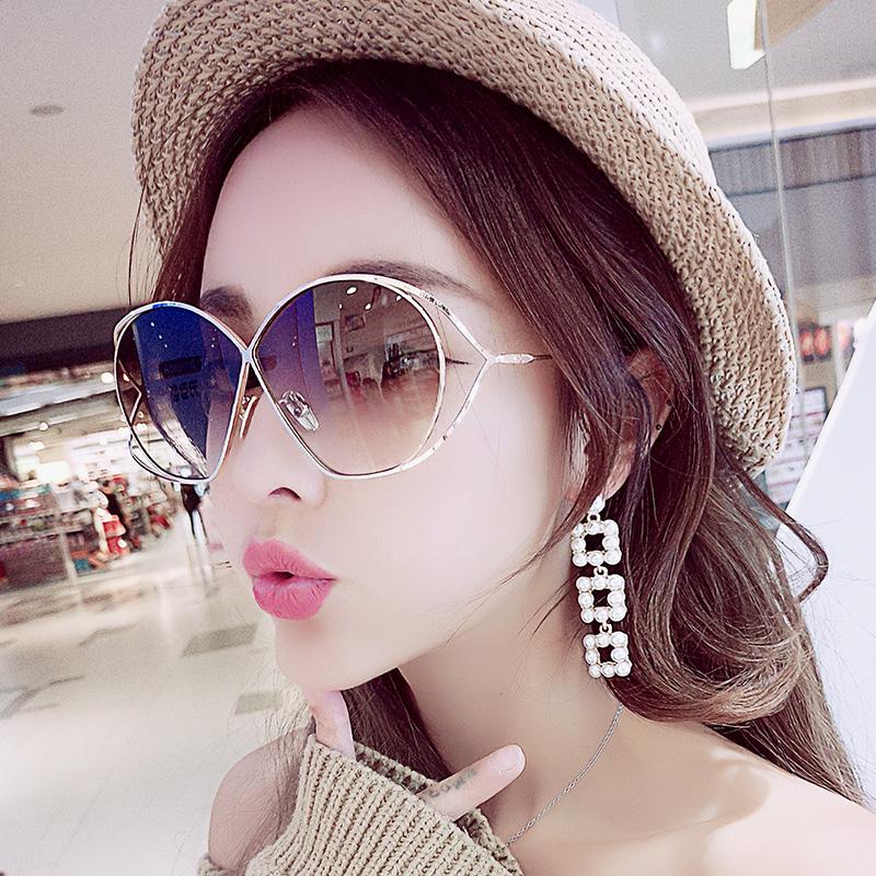 2018新款镂空墨镜女韩版潮有色眼镜复古大框太阳镜方脸显瘦明星款