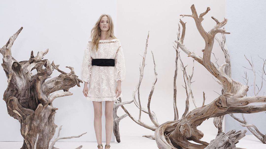 想要仙气飘飘怎能少得了小白裙