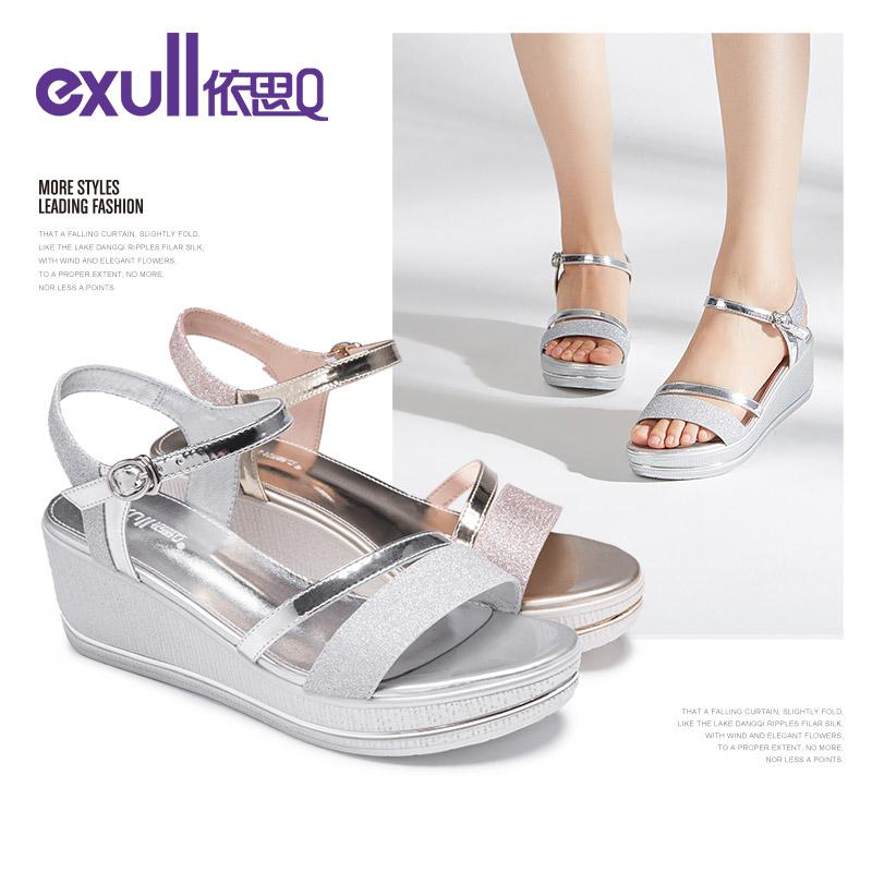 依思q2018夏新款韩版一字扣厚底凉鞋高跟坡跟松糕鞋子女T8164168