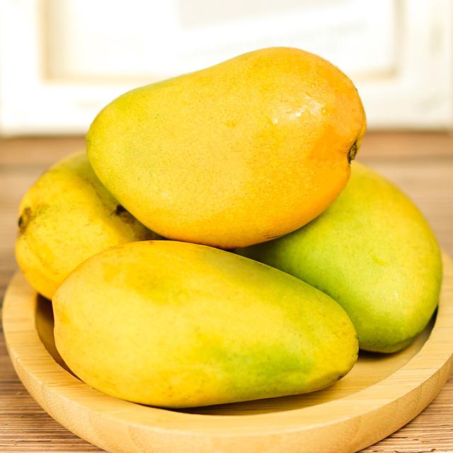 海南小台芒果新鲜10斤芒果树上熟台农当季贵妃整箱青甜心忙5包邮