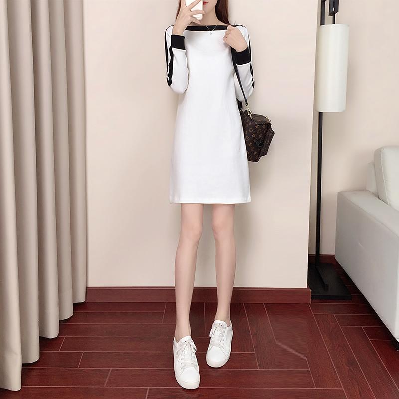 初秋装女2018新款长袖韩版一字肩运动休闲裙子气质名媛白色连衣裙