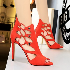 189-2 in Europe and the Roman style female ultra-high with waterproof suede sexy nightclub show thin rivets hollow out s