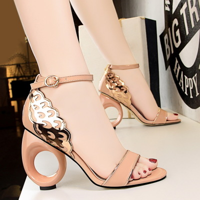 510-1 the European and American style restoring ancient ways is hollow-out with high heels peep-toe with spelling a word