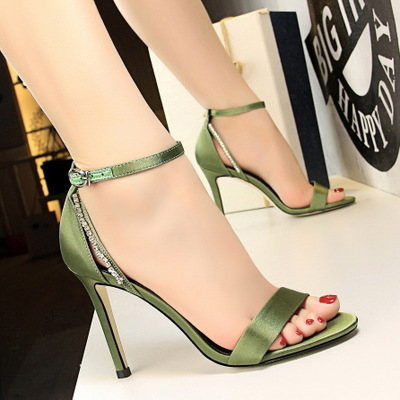 317-6 European and American fashion footwear fine summer party with high heels satin hollow out diamond peep-toe one wor