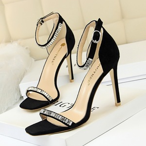 217-7 European and American wind sexy summer party with suede peep-toe shoes with ultra fine diamond one word with sanda