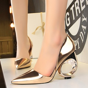 610-2 the European and American fashion contracted with high metal hollow out with shallow mouth pointed hollow sexy nig