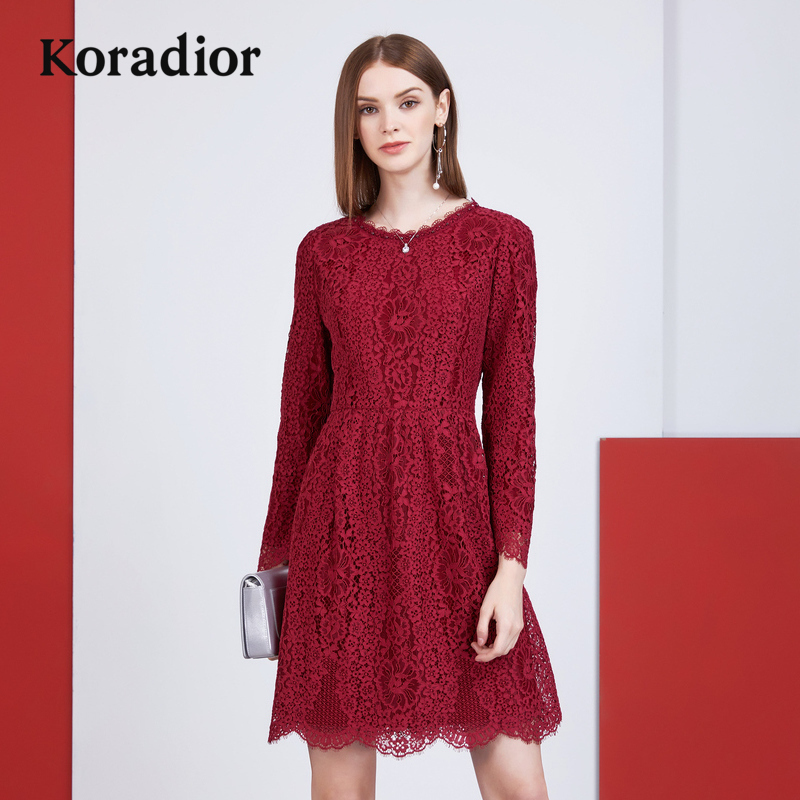 Koradior-珂莱蒂尔品牌女装2018新款秋装红色蕾丝连衣裙气质修身