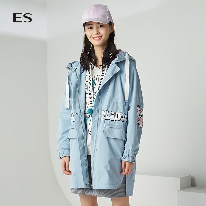 艾格ES2018秋季新款女印花宽松连帽长袖中长款风衣8E033406245