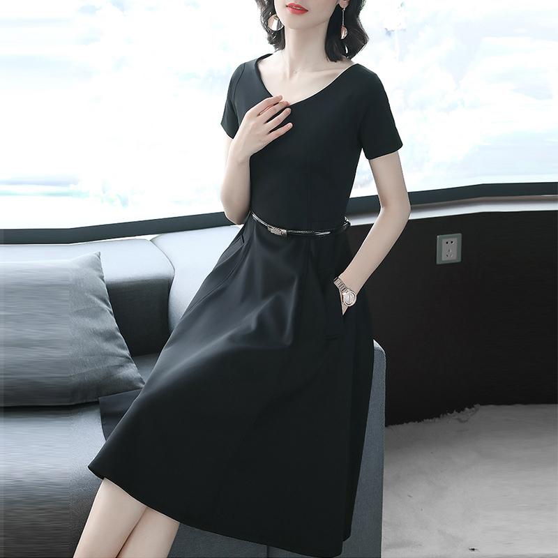 赫本风小黑裙2018新款短袖正式场合黑色连衣裙女夏中长款V领显瘦