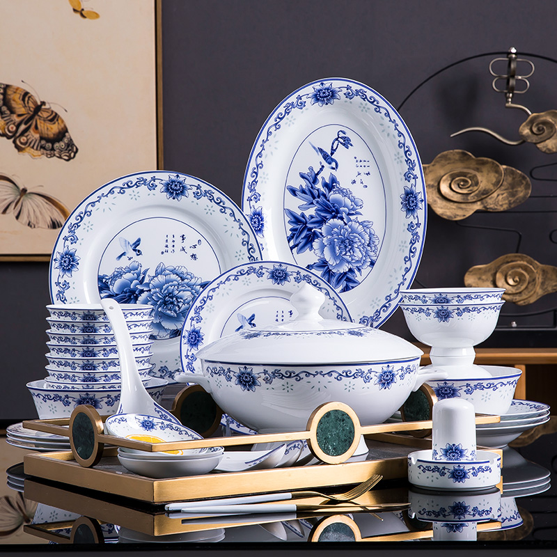 Blue and white porcelain ipads porcelain tableware suit Chinese contracted household jingdezhen ceramics dishes dishes dishes restoring ancient ways