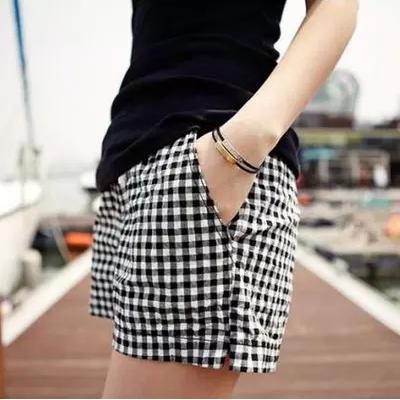 女士棉麻休闲格子短裤