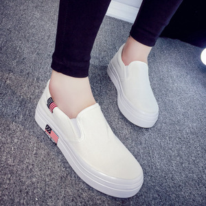 14平底小白鞋女春季2018新款百搭韩版学生休闲鞋帆布板鞋