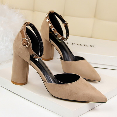 1716 in Europe and the British wind thick with high heels for women's shoes light suede mouth pointed rivet a word with