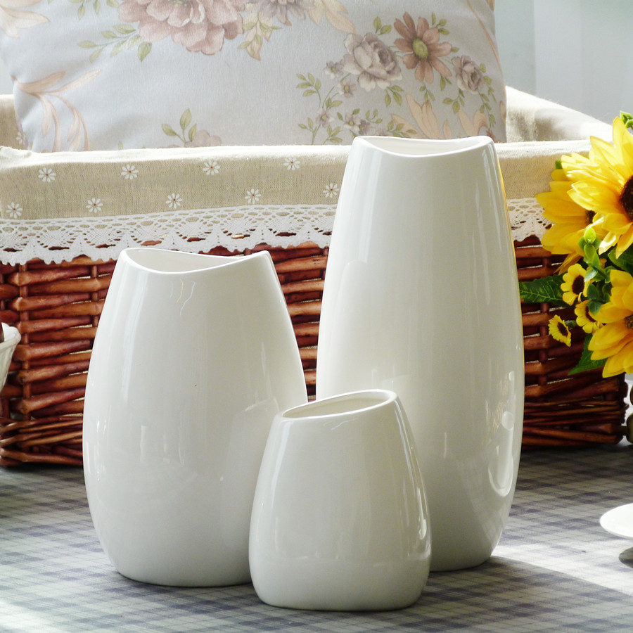 Jingdezhen ceramic simple white vases small living room for Modern living room vases
