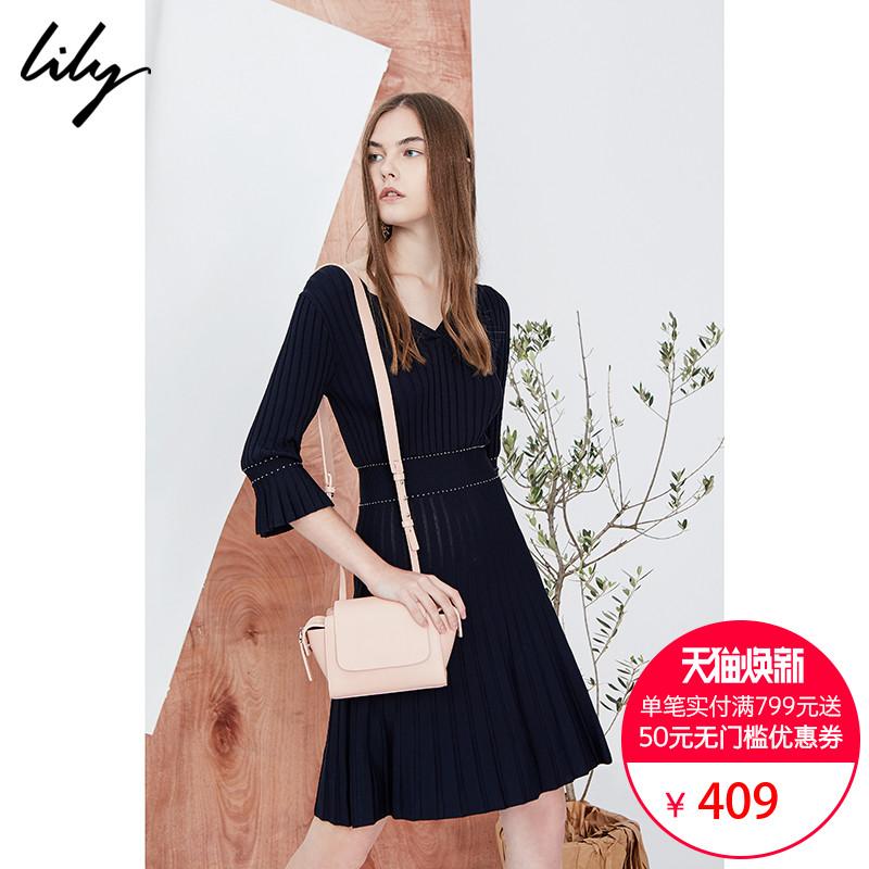 Lily2018秋新款女装时尚V领收腰显瘦百褶针织连衣裙118130B7706