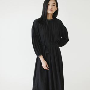 轻盈丝质 自然打褶连衣裙 度假风长裙