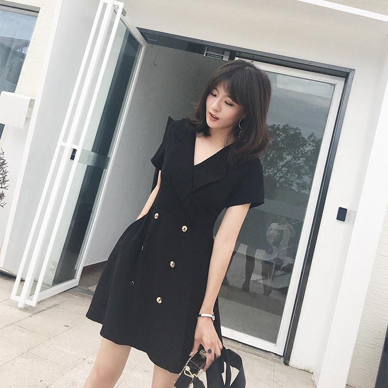 2018新款韩版赫本小黑裙子v领黑色连衣裙女夏气质显瘦小个子a字裙