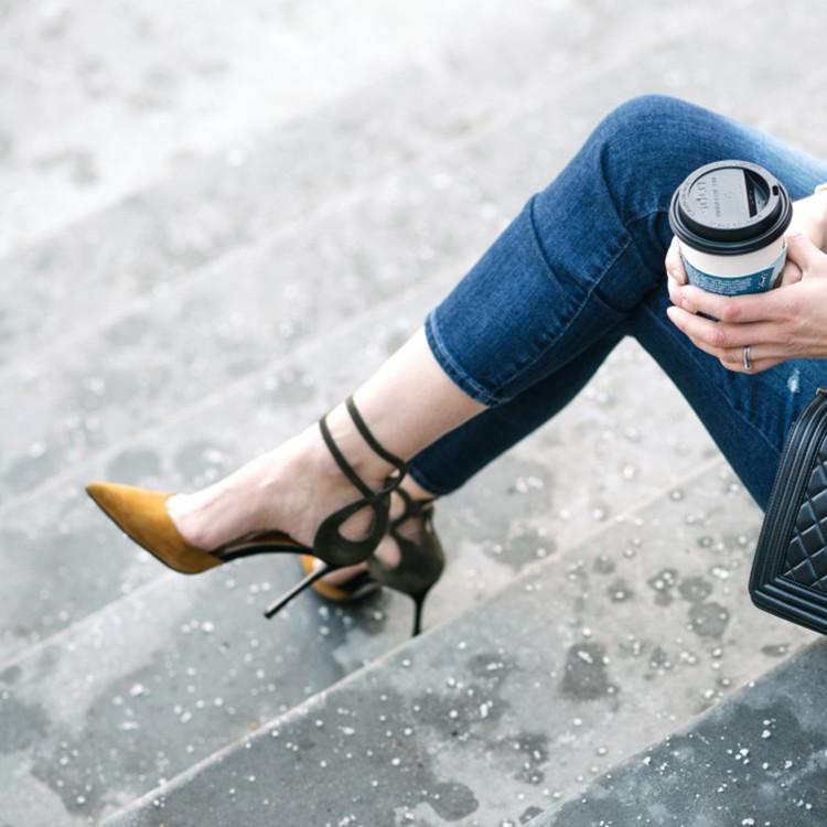 2017春新款尖头拼色高跟鞋绒面浅口性感细跟一字扣带单鞋中空女鞋