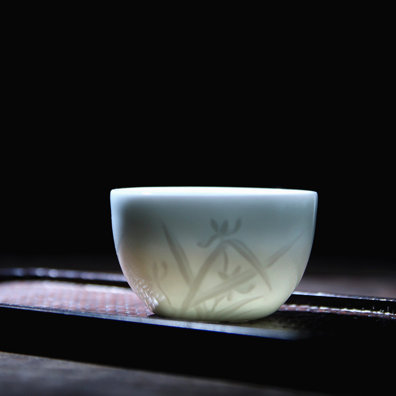 Poly real tea ware jingdezhen scene shadow green by patterns carved the chicken cylinder cup green glaze ceramic sample tea cup master CPU