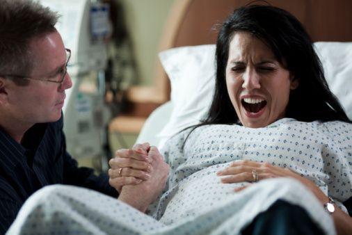 女人临蓐时为何要躺着?